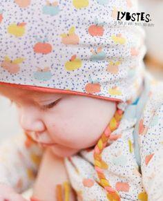 Freebook-Time! Ich zeige euch, wie ihr für eure Kleinsten eine süße Babymütze mit Ohrenschutz nähen könnt! Schnittmuster umsonst ausdrucken und loslegen! Frohe Ostern :)