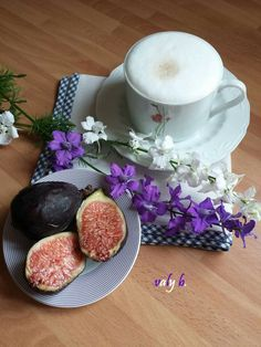 Masala Chai, Decoupage, Drink, Ethnic Recipes, Food, Morning Coffee, Good Morning Wishes, Dreams, Coffee Time