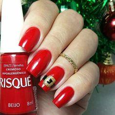 """@Regrann from @dicasdalays -  Bom Dia! Inspiração  para unhas de Natal. 🌲🎅 Cor """"Beijo"""" @risqueoficial . . SIGAM MEU IG DE TRAB. 👉@ju_costa_adesivos . .⠀⠀⠀⠀⠀⠀⠀⠀⠀ ⠀⠀⠀⠀⠀ #unhasdalays #risquedasemana #beijo #unhasestilosas #nailpolish #unhasbemfeitas #minhasunhas #unhaslindas #like4like #unhasluxo #dasemana #unhas #goodnight #unas #esmalte #follow #esmaltadassempre #unhascorujinha #segunda #criatividadeesmaltistica #unhasqueadmiro #bomdia #like #uñas #nails #unhasnatalinas #unhasdenatal…"""