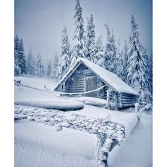 island of silence Beautiful Homes, Beautiful Places, Hunting Cabin, Hello Winter, Winter Magic, Winter Photography, Great Pictures, Travel Inspiration, Scenery