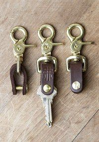 Leather Art, Leather Design, Leather Tooling, Leather Jewelry, Sewing Leather, Leather Bookmark, Leather Keyring, Leather Key Holder, Leather Projects