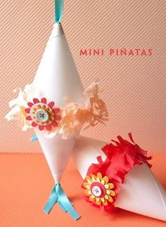 Mini pinatas diy - perfect for Christmas around the world trip to Mexico
