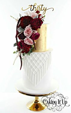 Beautiful Cake Designs, Gorgeous Cakes, Pretty Cakes, Unique Cakes, Elegant Cakes, Amazing Wedding Cakes, Amazing Cakes, 50th Wedding Anniversary Cakes, Bolo Floral