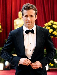 Google Image Result for http://img2.timeinc.net/people/i/2010/specials/oscars/hotguys/ryan-reynolds.jpg