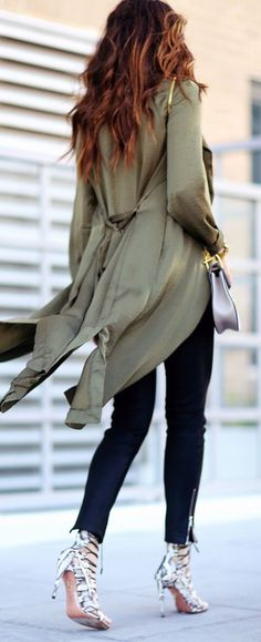 Olive Trench Outfit • Street CHIC • ✿ιиѕριяαтισи❀    #abbigliamento