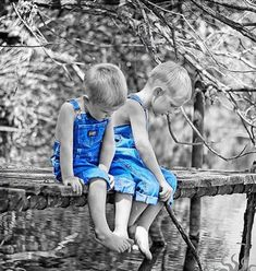 black and white color splash happy tuesday pics Color Splash, Color Pop, Splash Photography, Black And White Photography, Color Photography, Fishing Photography, Black And White Colour, Black And White Pictures, Aura Azul