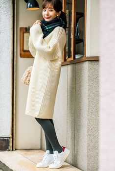 大人のためのスニーカーコーデ特集♡子どもっぽく見えないオススメのスタイル28選   andGIRL [アンドガール] Japanese Fashion, Korean Fashion, Real Style, My Style, Fashion Beauty, Womens Fashion, Girls In Love, Female Models, Asian Girl