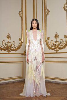 Givenchy Spring 2011 Couture Fashion Show - Liu Wen (Elite)