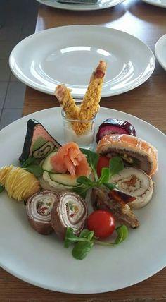 Appetizer Recipes, Appetizers, Sandwich Cake, Reception Food, Food Tasting, Hors D'oeuvres, Wedding Menu, Food Presentation, Food Festival