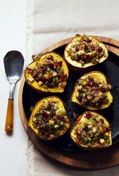 Healthy Thanksgiving Side: vegetarian gluten free -Acorn Squash with Apple Walnut Stuffing | @saltandwind |  http://saltandwind.com