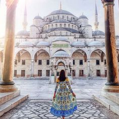 @tiebowtie looks perfect in front of Sultan Ahmet Mosque (or the Blue Mosque) in Istanbul Turkey . . . #turkey #bluemosque #muslimarchitecture #beautifuldestinations