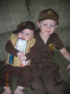 Britt you should do this with Lily and the baby next year. And turn a wagon into a ups truck.....how stinking cute