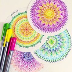 A mandala a day keeps the doctor away! Thank you Sine for sharing your art with… Mandala Doodle, Doodles Zentangles, Zen Doodle, Doodle Art, Mandalas Painting, Mandalas Drawing, Motifs Aztèques, Design Tattoo, Zen Art