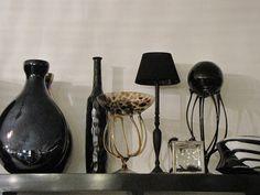 Mondgeblazen vazen en zwarte lamp | VIA CANNELLA WOONWINKEL | CUIJK