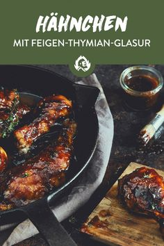 Die klebrig-süße Sauce aus Balsamico, Thymian, Feigenmarmelade und BBQ-Sauce i… The sticky-sweet sauce made from balsamic vinegar, thyme, fig jam and BBQ sauce together with juicy chicken is the ideal recipe for your cast-iron pan. Spicy Appetizers, Chicken Appetizers, Cheese Appetizers, Appetizer Recipes, Chicken Recipes, Healthy Fried Chicken, Spicy Grilled Chicken, Barbecue Sauce Recipes, Grilling Recipes