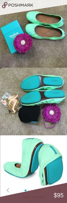Tieks Mint Patent Authentic. Good condition. The reason these are not in excellent condition is bc throughout both shoes there is discoloration. If you would like to see more pictures of this I can email you. The price reflects the discoloration. All original pieces come w purchase. Italian leather flats. Mint Tieks are sure to put a fresh spring in your step all year round. •100% premium, soft, full-grain leather •Non-elasticized, cushioned back •Non-skid rubber soles and cushioned instep…