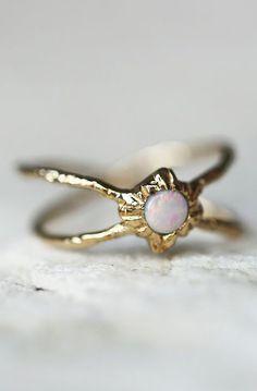14k Infinite Shield Opal Ring
