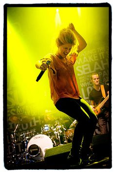"""""""You never had it easy I know  But I still remember you and what we used to have so  This my song for you my friend  You can only see that I will never forget this"""" Selah Sue - Raggamuffin"""