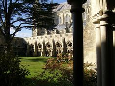 Claustros de la #Catedral de #Salisbury. http://www.viajaralondres.com/ciudades-para-visitar-cercanas-a-londres/salisbury/ #turismo #viajar #Inglaterra #ReinoUnido #UK