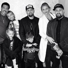 Rare family photo shows Nicole Richie's daughter is totally her mini-me - Entertainment NovaFM Nicole Richie, Cameron Diaz Style, Sculpted Arms, Good Charlotte, Lionel Richie, World Music, Tight Leggings, Mini Me, Celebs
