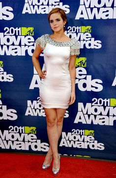 Emma Watson Cute, Emma Watson Legs, Ema Watson, Emma Watson Sexiest, Emma Watson Beautiful, Taylor Swift Style, Sexy Legs And Heels, Child Actresses, Nice Legs