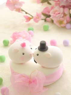 cute guinea pig wedding cake topper