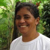 Laísa Santos Sampaio, qui s'engage pour les droits d'une communauté de fermiers au Brésil. / Laísa Santos Sampaio, setzt sich im brasilianischen Amazonasgebiet für die Rechte einer Gemeinschaft von Kleinbauern ein.
