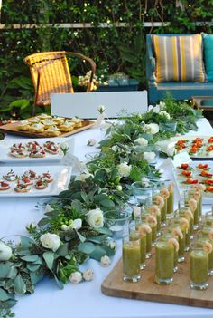 A beautiful Garden Party spread. For more inspiration, visit http://apresfete.blogspot.com/search?updated-max=2011-10-21T15:31:00-07:00&max-results=7&start=22&by-date=false.
