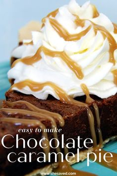 This EASY Chocolate Caramel Pie Recipe is wonderful for fall and great for holiday meals - plus it's easy to make so it's a great pie recipe for beginners to make. Chocolate Pie Recipes, Chocolate Pies, Chocolate Caramels, Homemade Chocolate, Fall Dessert Recipes, Holiday Desserts, Delicious Desserts, Caramel Pie, Good Pie