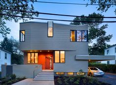 architecture quarry street house marina rubina Warmth and Elegance Displayed by Sustainable Prefab House in Princeton [Video] Environmental Architecture, Interior Architecture, Modern Exterior, Exterior Design, Nova Jersey, Jersey City, Street House, Storage Design, Prefab Homes