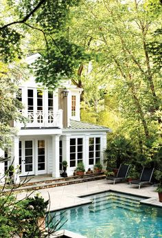 Atlanta homes and their sweet southern charm.Visit http://www.thatdiary.com