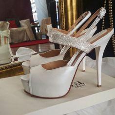 Λευκά δερμάτινα ψηλοτάκουνα Νυφικά παπούτσια με λεπτομέρεια οργατζας γκλιτερ σε 14 εκ.υψος τακουνιού! White High Heels, Bridal Shoes, Fashion, Bride Shoes Flats, Moda, Bride Shoes, Fashion Styles, Fashion Illustrations, Wedding Shoes