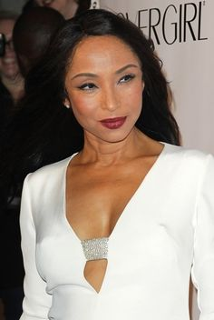 Sade Adu - aging beautifully Singer Sade - who just announced her new world tour today - arrives at the Black Ball charity event to raise funds for the Keep A Child Alive (KCA) Foundation, at the Hammerstein Ballroom in Manhattan. Quiet Storm, Beautiful Black Women, Beautiful People, Sade Adu, Enjoy The Ride, Marvin Gaye, Easy Listening, Glamour, Ageless Beauty