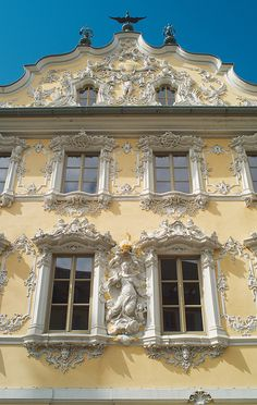 Würzburg Falkenhaus Rokoko- Fassade (by CTW Würzburg, via Flickr)