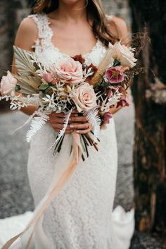 Earthy wedding decor with boho details and a warm color pallet. Check out how we created all the design elements for the perfect earthy wedding look. Boho Wedding Bouquet, Winter Wedding Flowers, Rustic Wedding Flowers, Wedding Flower Arrangements, Floral Wedding, Fall Wedding, Wedding Ideas, Dream Wedding, Botanical Wedding Theme