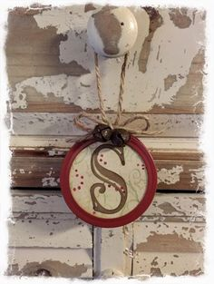 Monogrammed Rustic Primitive Style Mason Jar Lid by BBAHomemade (christmas mason jars lids) Jar Lid Crafts, Mason Jar Crafts, Diy Crafts, Diy Christmas Decorations For Home, Holiday Crafts, Christmas Ideas, Christmas 2019, Easter Crafts, Country Christmas