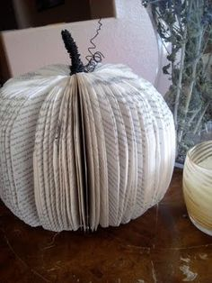 DIY Little Fall Crafting DIY Fall Decor DIY Home Decor. Caye another book page decoration! Pumpkin Books, Diy Pumpkin, Pumpkin Crafts, Paper Pumpkin, Fall Crafts, Holiday Crafts, Diy Crafts, Pumpkin Carving, Holidays Halloween