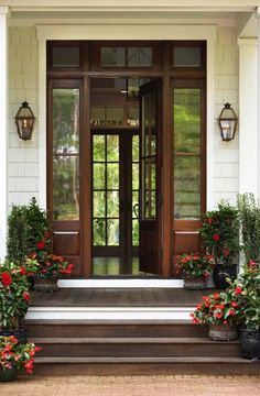 Understand what makes a good feng shui front door and use these simple, easy feng shui tips to strengthen the front door of your own house.: Is Your Door a Good Feng Shui Door? Home Entrance Decor, House Entrance, Front Door Decor, Entrance Doors, House Doors, Main Entrance, Grand Entrance, Doorway, Best Front Doors