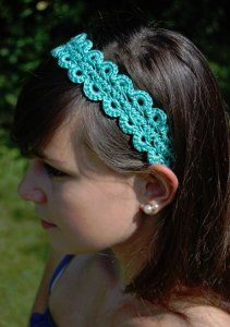 Hairpin Lace Headband  http://www.allfreecrochet.com/Crochet-Accessories/Hairpin-Lace-Crochet-Hairband-Headband/ml/1