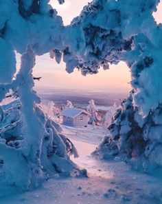 A heart in nature ❄️ Photo by Aygul Bedretdinova Capture your momen Winter Photography, Nature Photography, Travel Photography, Winter Drawings, Foto Top, Heart In Nature, I Love Winter, Winter Snow, Winter Scenery