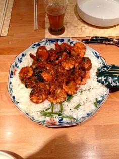 Crevettes thaï au gingembre; riz basmati et haricots verts