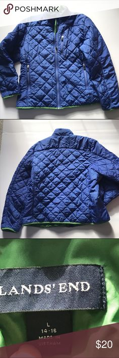 Women's Large 14-16 Lands End jacket Primaloft Lands End primaloft Womens jacket. Size Large 14-16. Lands End temp. rating is 0-25 degrees Fahrenheit. Royal blue w/ green trim & lining. 1 chest zip pocket & 2 front pockets. 1 inside zip pocket & 1 inside mesh pocket. Nice lightweight but warm jacket, easy to pack in a bag too. Some fading from washing, price reflects this. 22 in from underarm to underarm when laying flat, 24 in from collar to bottom hem. Sleeves are 24 in from shoulder seam…