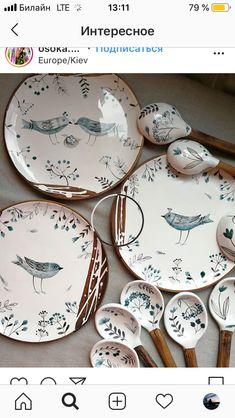 Slab Pottery, Pottery Plates, Ceramic Pottery, Hand Painted Ceramics, Porcelain Ceramics, Ceramic Bowls, Pottery Painting Designs, Paint Designs, Ceramic Painting