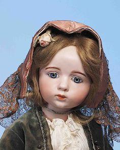 Пару лет ношусь с мыслью увидеть каждую из сотни кукол Альберта Марке. Мне удалось найти фотографии около 40. Ничего. Со временем их будет больше. Я так надеюсь. Хотя, по мнению некоторых экспертов, кукол этой серии было на самом деле меньше 100, на сегодняшний день известны около 60. Существует…