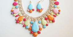 Teardrop Jewel Necklace and Earring Set! I would LOVE this set, and wear it with a solid color tee, and jeans!!!