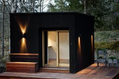 Unique and simple home design. There are many examples of modern home designs, choose your choice here. Backyard Office, Backyard Studio, Garden Office, Minimalist House Design, Minimalist Home, Cabin Design, Home Design, Camping Am Meer, Outdoor Sauna