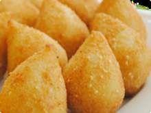 Coxinha-de-frango-massa-de-abobora-com-queijo-branco