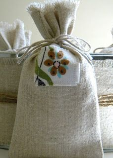 Homework: a creative blog: Sew and Tell: fabric party favor bags