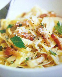 Gluten Free and Low FODMAP Recipe - Crispy bacon carbonara