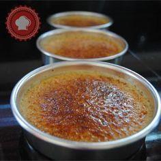 La crème brûlée est une recette hyper facile qui fera pourtant tout son effet auprès de vos invités !